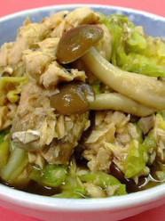 魚の缶詰とキャベツの蒸し煮
